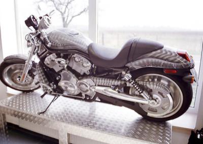 Alien celá motorka